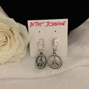 Betsy Johnson Peace Sign Earrings NWT